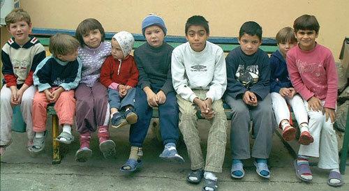 copii orfelinat